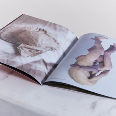 VOUS MONSIEUR - Galerie d'art en ligne à découvrir, French concept -store pour adultes