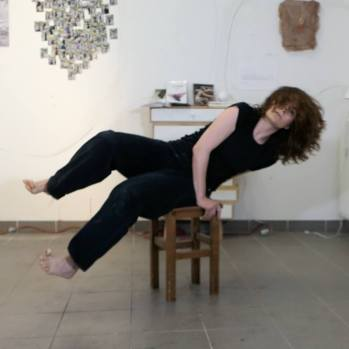 Performance Action-Danse sur Sandrevan Lullaby de Rodriguez. Chorégraphie: Brigitte Morel