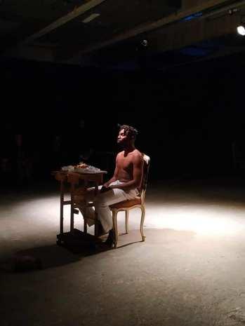 Performance Nzoto na nzoto. Yannos Majestikos